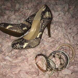 Never Worn Jessica Simpson snakeskin heels!